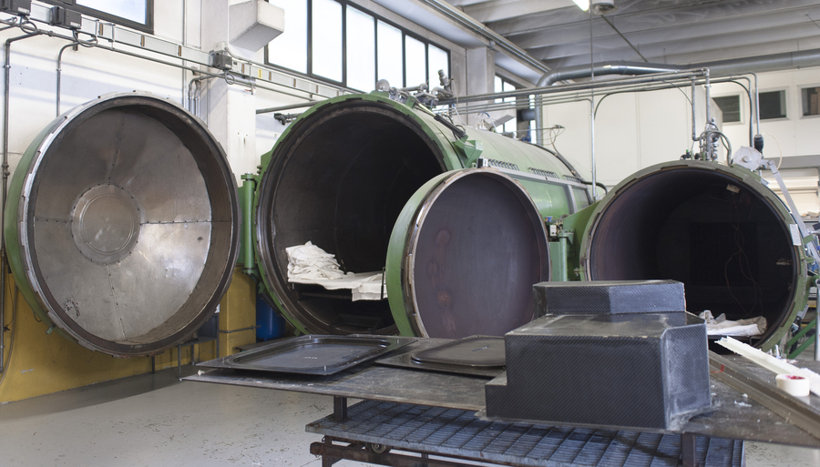 One of the departments in Mako Shark is equipped for the manufacture of articles using autoclave forming technology
