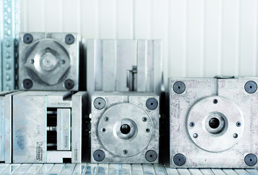 Detail of the mould used for the production of parts for glasses